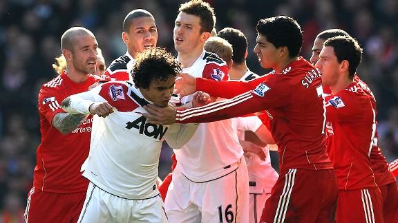 Czerwone diabły na Anfield.