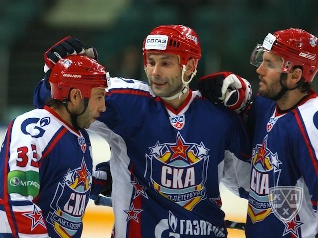 KHL: Petersburg rozniesie Traktor Cheljabińsk?