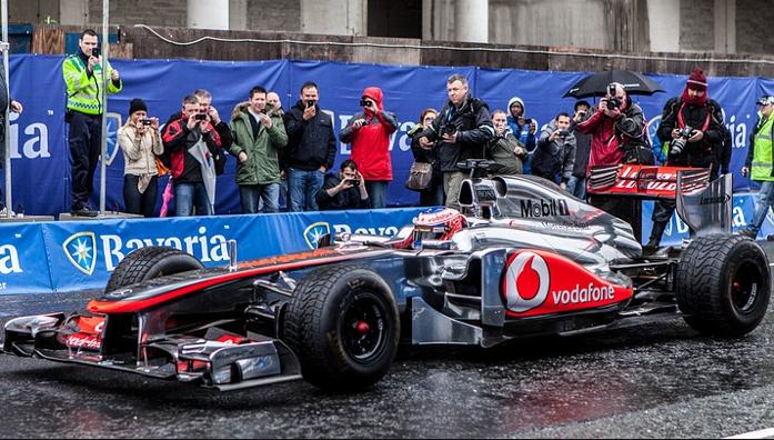 Vettel na dłużej w Ferrari? Kubica powróci do F1?