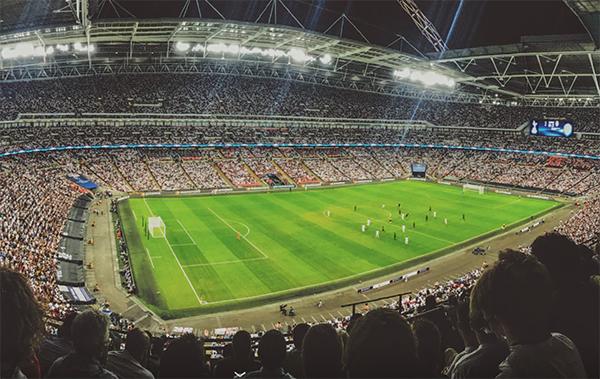 Jak i gdzie legalnie oglądać transmisje meczów?